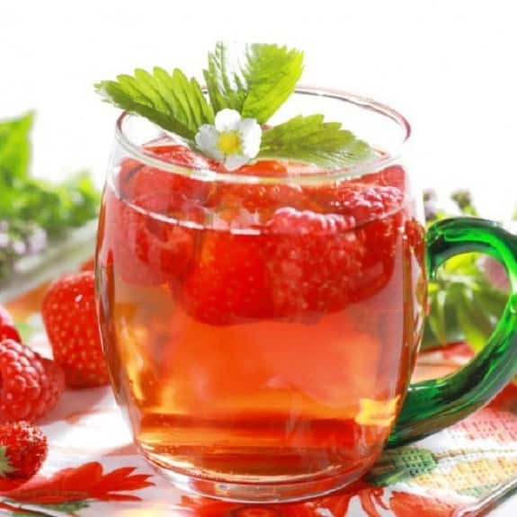 raspberry tea cocktail