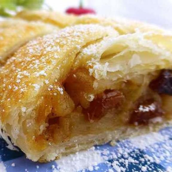 oven baked apple strudel