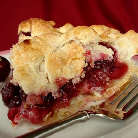 oven baked cherry pie