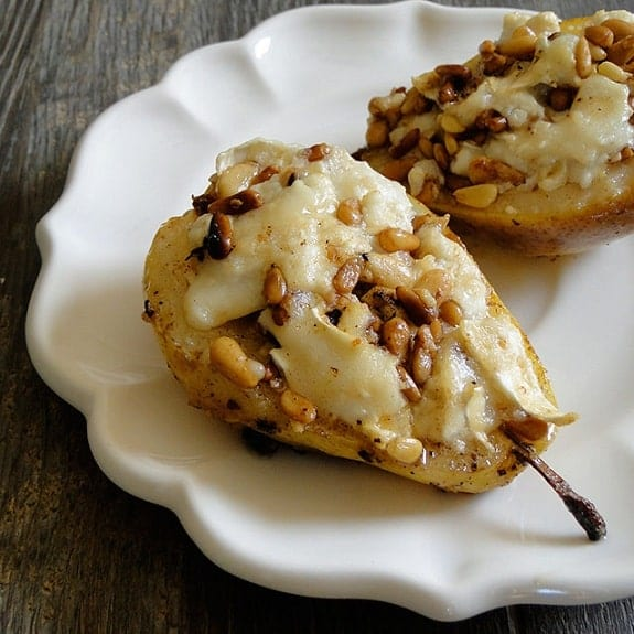 oven roasted pears with goat cheese