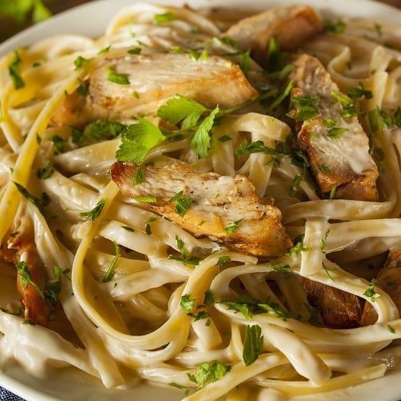 Chicken Fettuccine Alfredo .Delicious chicken breasts with fettucciine ...