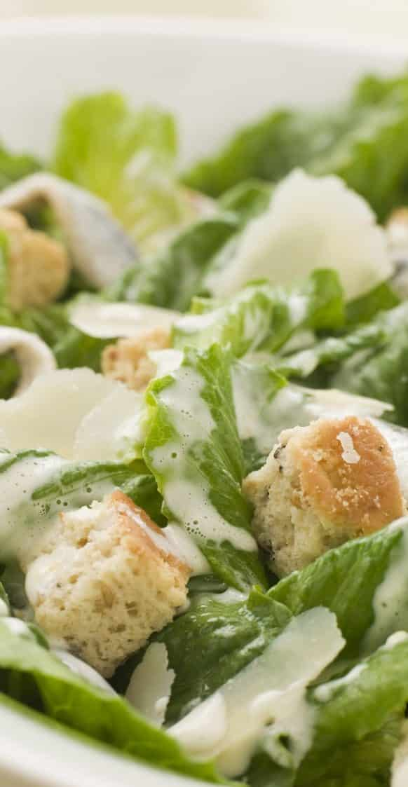 Easy cheesy Caesar salad recipe. Popular Greek salad with lettuce and cheese. Very easy and healthy! #salad #dinner #healthy #lowcarb #easy #caesar #greek #delicious