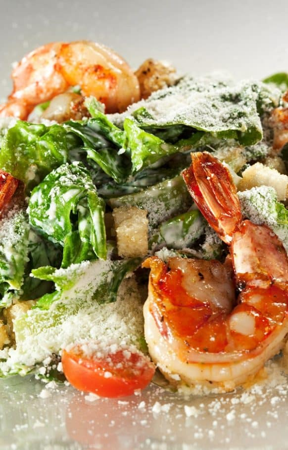 Easy Caesar salad with shrimp recipe. Famous Greek salad with fresh vegetables and shrimp. Very easy and delicious! Ready in a few minutes! #salads #healthy #caesar #delicious #shrimp #homemade #dinner