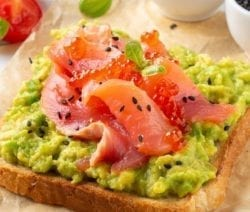 Salmon caviar avocado appetizer recipe. This is a very easy and tasty appetizer with red caviar, avocado, and smoked salmon. #appetizers #seafood #party #dinner #homemade #healthy