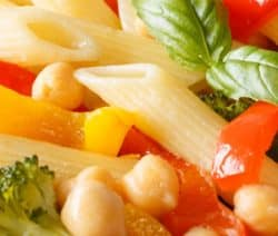 Baked easy penne pasta salad recipe. Baked pasta with white beans and vegetables. Yummy. Pasta #dinner #easy #healthy #vegetarian #vegan #salad