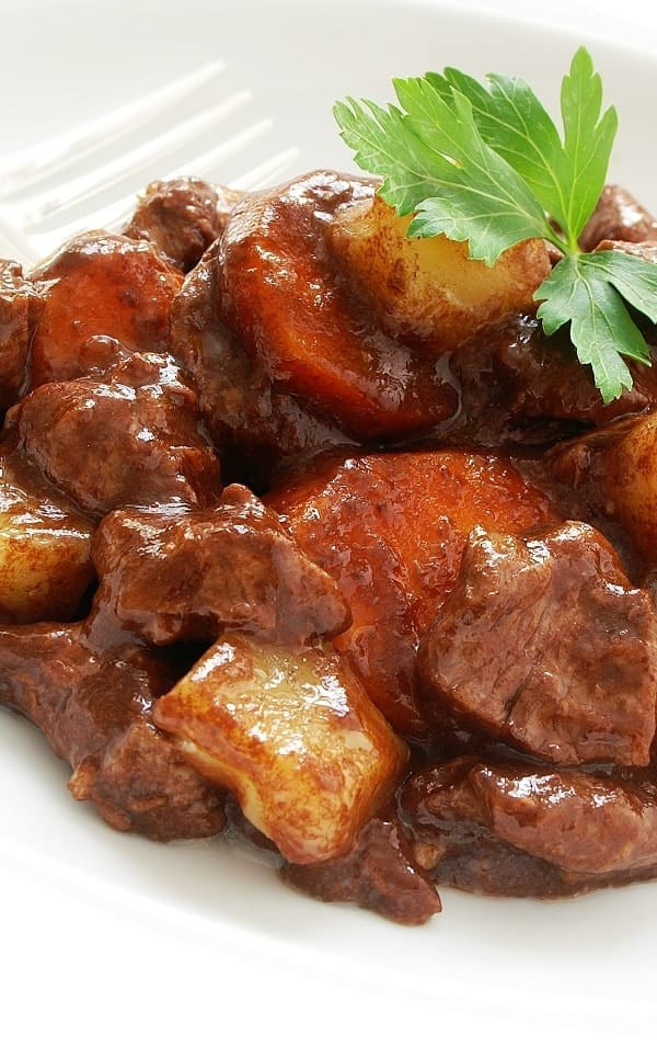 Slow cooker original beef stew recipe. This is a very easy and simple recipe. Cubed beef with vegetables cooked in a slow cooker. Delicious! #slowcooker #crockpot #dinner #homemade #beef #stew #yummy #original
