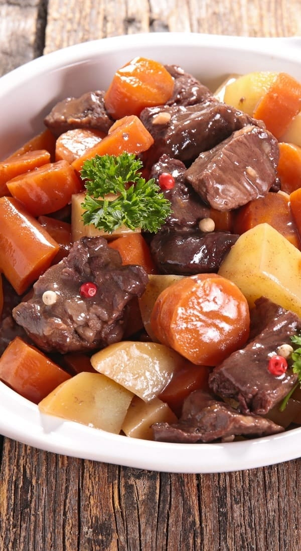 Slow cooker Pungent beef stew recipe. This recipe belongs to Indian Cuisine. Cubed beef with spices and vegetables cooked in a slow cooker. #slowcooker #crockpot #beef #stew #dinner #homemade #lowcarb #yummy #easy