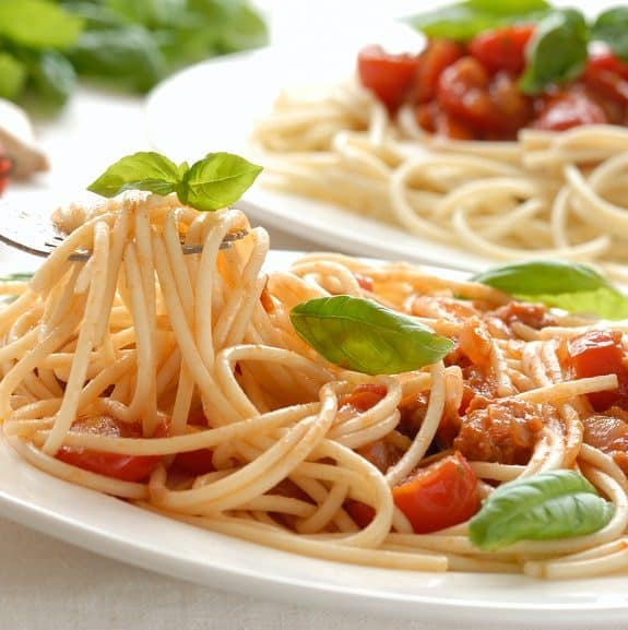 cooked italian spaghetti with chicken sauce recipe