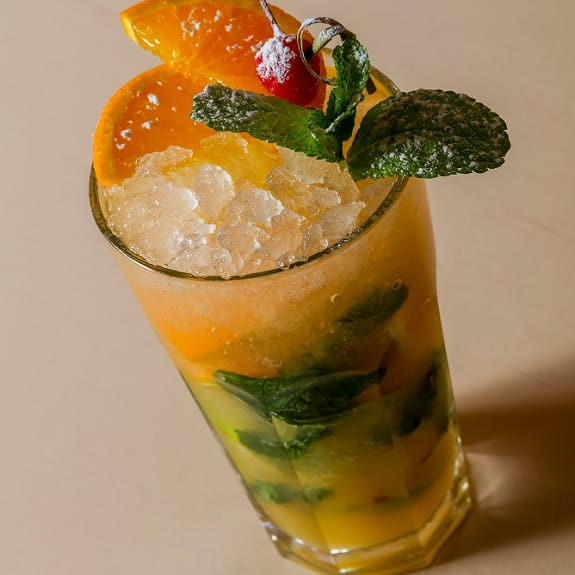 alcoholic cocktail mojito orange