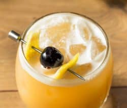 Amaretto sour liqueur. Liqueur-based mixed drink. Delicious! #amaretto #beverages #drinks #party #mix #cocktails