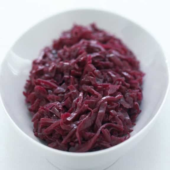 red cabbage with apples in halogen oven