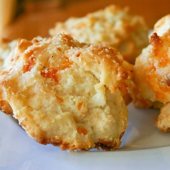 oven baked cheese biscuits