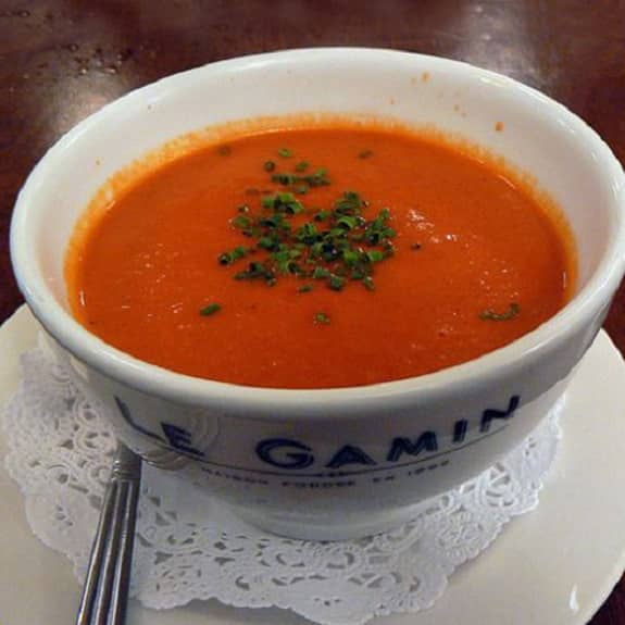 Easy French tomato soup recipe. This is a very easy and tasty traditional French soup made only from fresh vegetables. #dinner #tomato #soup #lunch #easy