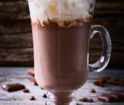 hot chocolate with marshamallows