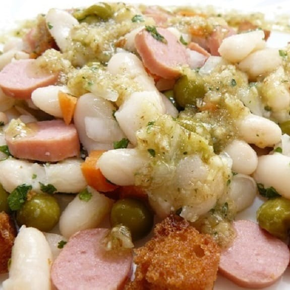 bean salad with walnuts and sausages