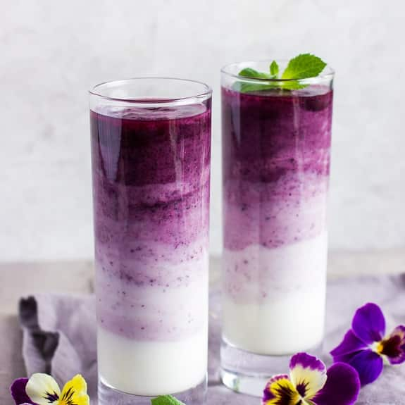blueberry-cranberry smoothie