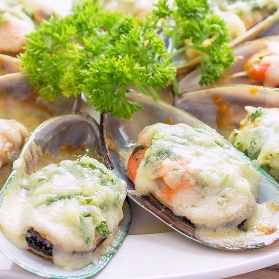 cheese baked green mussels