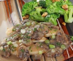 slow cooker chicken breasts in mushroom gravy