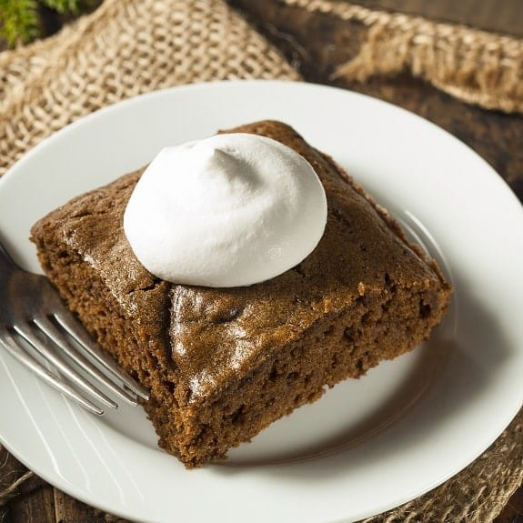 slow cooker gingerbread cake