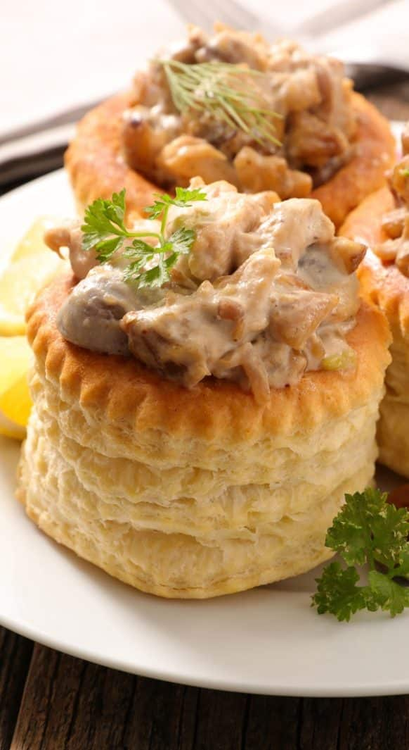 Chicken and mushroom vols-au-vent. Very easy and delicious dish baked in an oven. Belongs to Fine French cuisine. #chicken #mushrooms #french #dinner #homemade #yummy