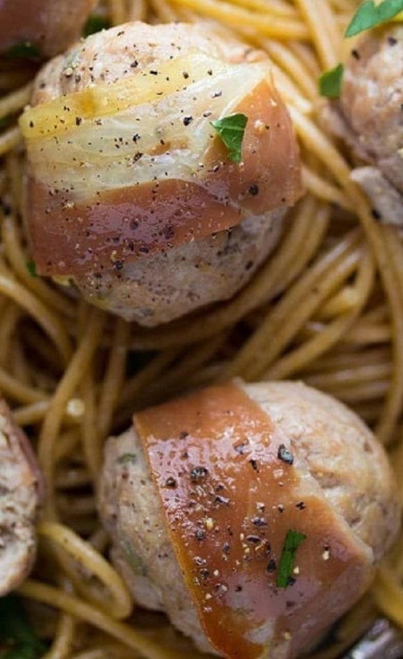 Oven baked turkey meatballs. Turkey meatballs with Worcestershire sauce, dry white wine, and prosciutto baked in an oven. #oven #meatballs #dinner #homemade #yummy #recipes #food