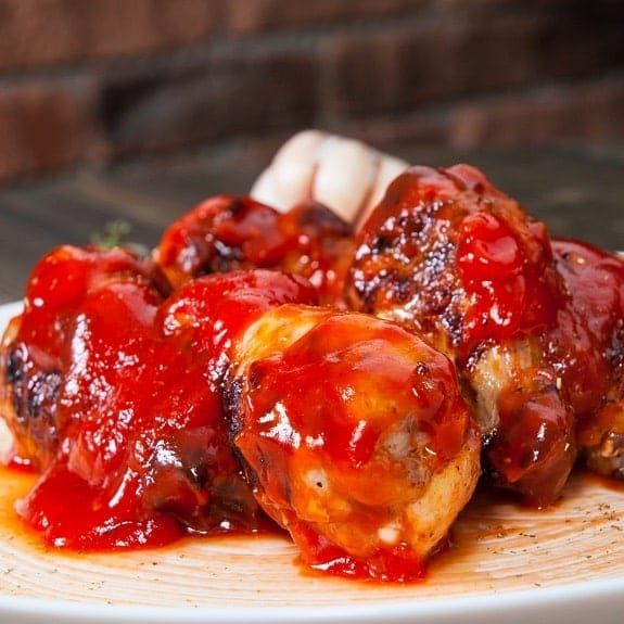 chicken wings in tomato sauce