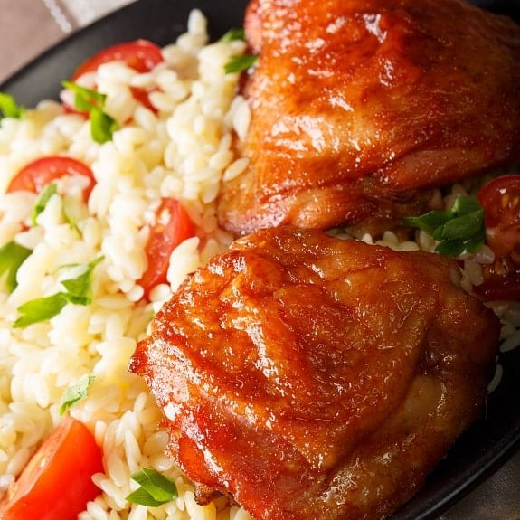 Slow cooker drunken chicken thighs recipe. Chicken thighs with vegetables, sherry, and tequila cooked in a slow cooker. #slowcooker #crockpot #chicken #dinner #thighs