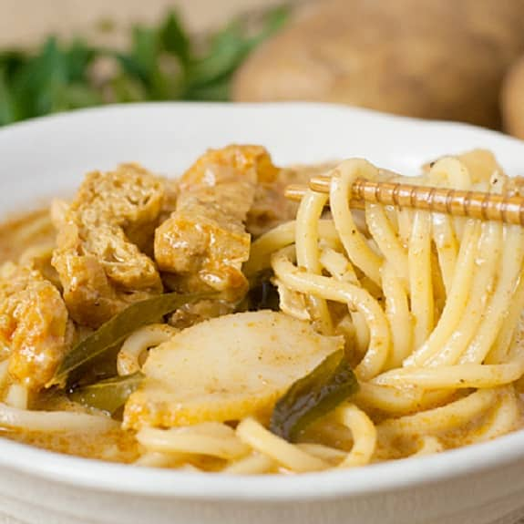 slow cooker chicken curry noodles
