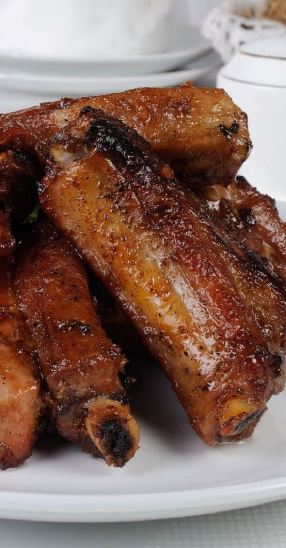 pressure cooker honey ginger pork ribs. Pork ribs with ginger beer and honey cooked in a pressure cooker. Ribs cooked in pressure cooker turn juicy and tasty. #pressurecooker #instantpot #dinner #pork #ribs #homemade