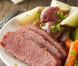Pressure cooker beer-braised beef recipe. Corned beef with beer and vegetables cooked in pressure cooker. Beef is one of the most favored meals in pressure cooker. Cooking it with beer(I prefer Guinness beer) will make delicious and flavorful broth. #pressurecooker #instantpot #beef #braised #beef #dinner #vegetables #homemade