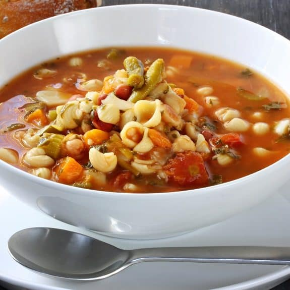 homemade vegetable minestrone soup recipe