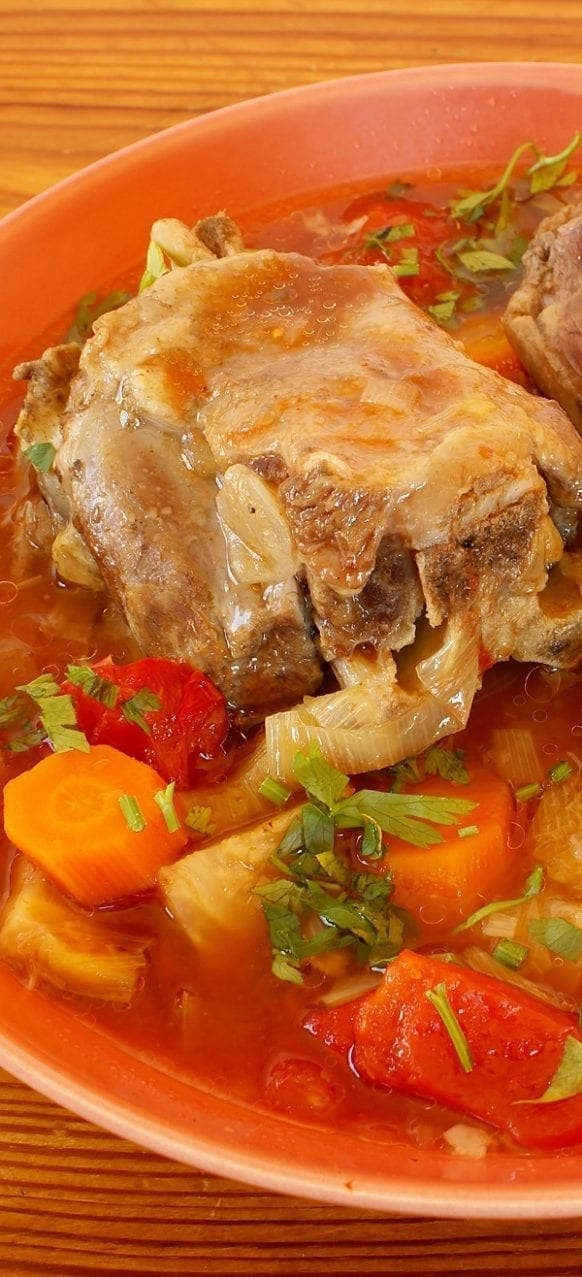 Pressure cooker oxtail soup recipe. Beef oxtails with vegetables and herbs cooked in the pressure cooker. Very delicious oxtail soup! #pressurecooker#instantpot #soup #dinner #oxtail #homemade #yummy