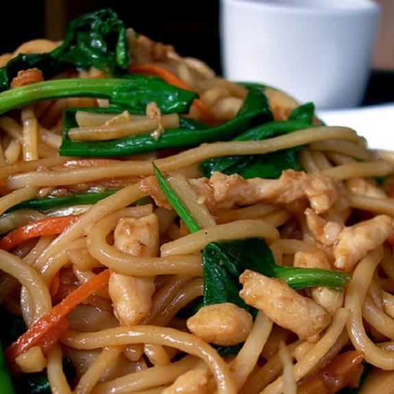 slow cooker lo-mein chicken recipe