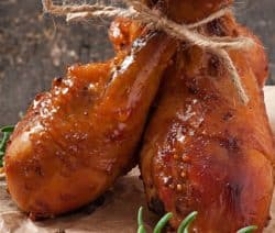 Instant pot baked chicken drumsticks recipe. Chicken drumsticks with spices and honey cooked in an electric pressure cooker. #instantpot #pressurecooker #chicken #drumsticks #dinner #homemade