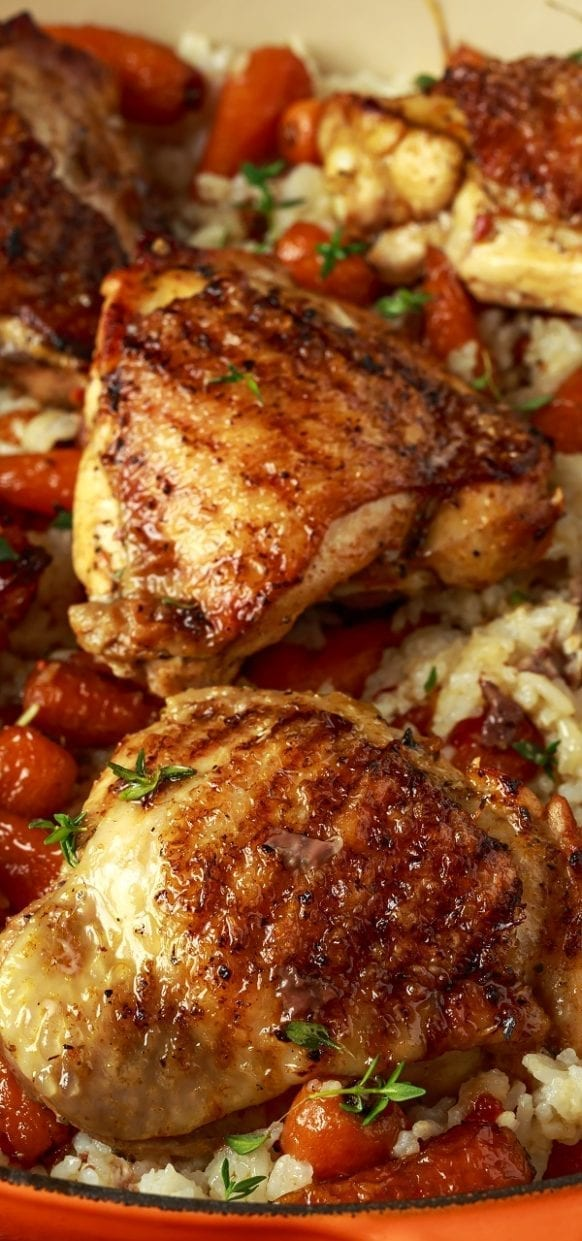 Slow cooker honey-garlic chicken thighs recipe. Bone-in and skin-on chicken thighs with fresh vegetables and honey-garlic sauce cooked in a slow cooker. #slowcooker #crockpot #chicken #dinner #homemade #yummy #easy