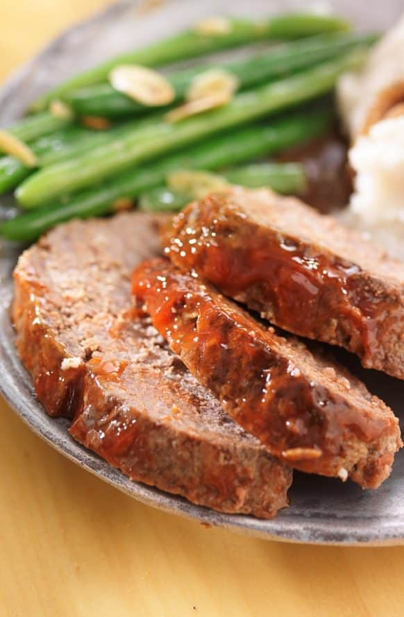 Pressure cooker meatloaf recipe. Beef meatloaf with potatoes cooked in an electric pressure cooker. This is the best meatloaf I ever eat! #pressurecooker #instantpot #dinner #lunch #homemade #meatloaf