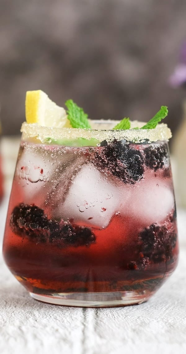 Blackberry margarita cocktail. Very popular tequila-mixed drink. Very easy to prepare. #cocktails #drinks #beverages #margarita #party