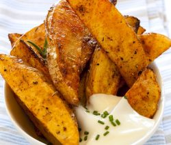 Spicy potato wedges. Potatoes with spices baked in a halogen (turbo) oven. Very tasty appetizer!. #turbooven #halogenoven #oven #appetizers #spicy #party #potato #dinner