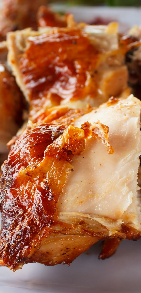 Slow cooker barbecued chicken. Very easy chicken recipe. Chicken breasts with spices and BBQ sauce cooked in slow cooker. #slowcooker #crockpot #chicken #dinner #lunch #recipes #food