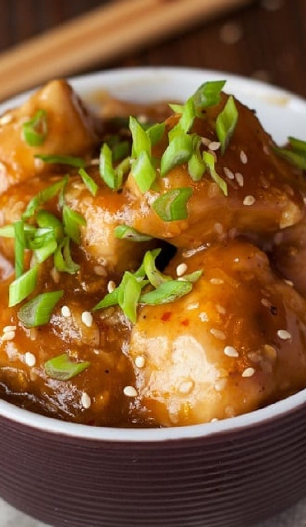 Slow cooker teriyaki chicken with orange sauce. Chicken breasts or thighs with delicious homemade orange sauce cooked in a slow cooker. #slowcooker #crockpot #dinner #teriyaki #chicken