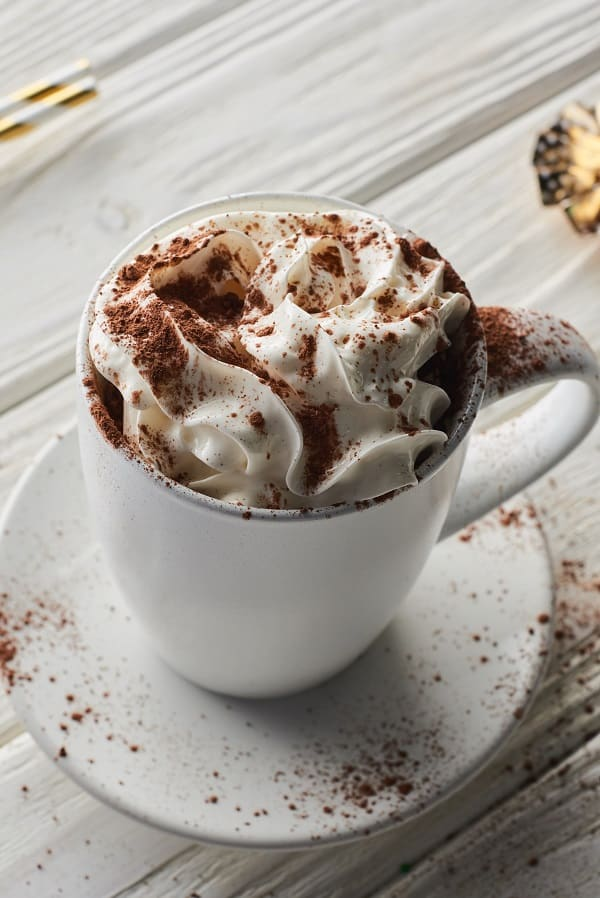 Slow cooker cream cocoa. Very delicious dessert cooked in a slow cooker. Vary this rich and delicious drink with flavored creamers and liqueurs. #slowcooker #crockpot #desserts #drinks #cocoa