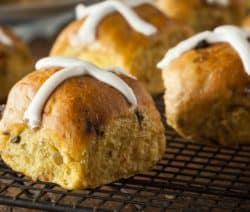 homemade easter hot cross buns recipe