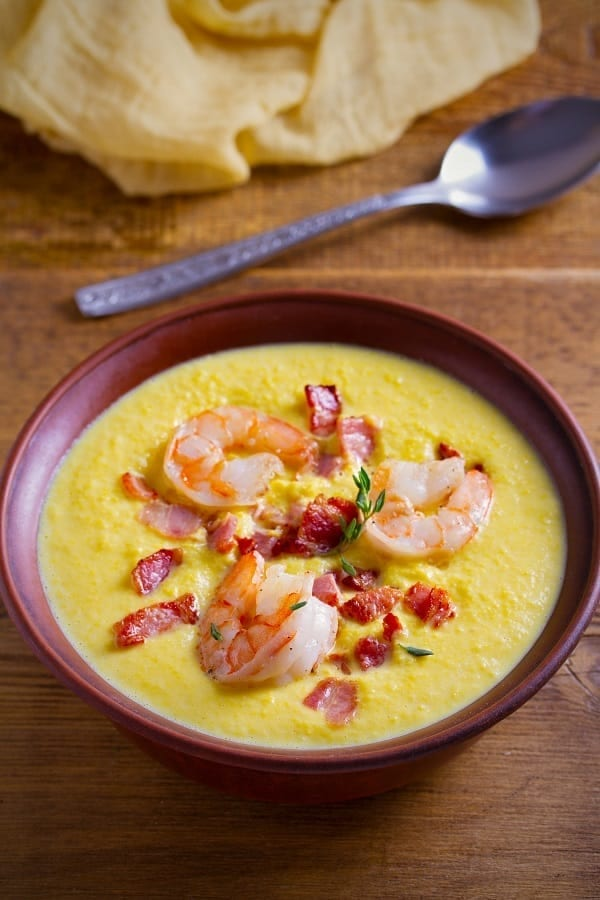 Instant pot creamy shrimp and corn chowder. Very easy and tasty seafood chowder cooked in an electric pressure cooker. #pressurecooker #instantpot #dinner #homemade #chowder #seafood #shrimp