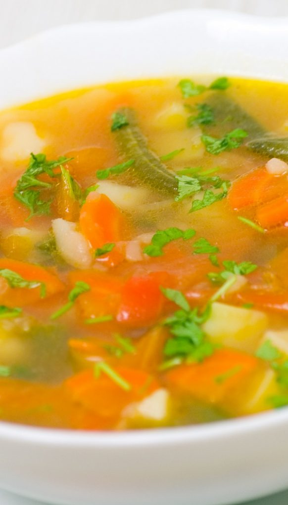 Slow cooker potato soup. Healthy and delicious vegetable soup cooked in a slow cooker. #slowcooker #crockpot #soup #vegetarian #vegetable #healthy