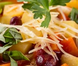 Slow cooker easy minestrone soup recipe. Very easy and delicious vegetable soup with spices cooked in a slow cooker. An excellent choice for vegetarians! #slowcooker #crockpt #dinner #soup #minestrone #vegetarian #healthy