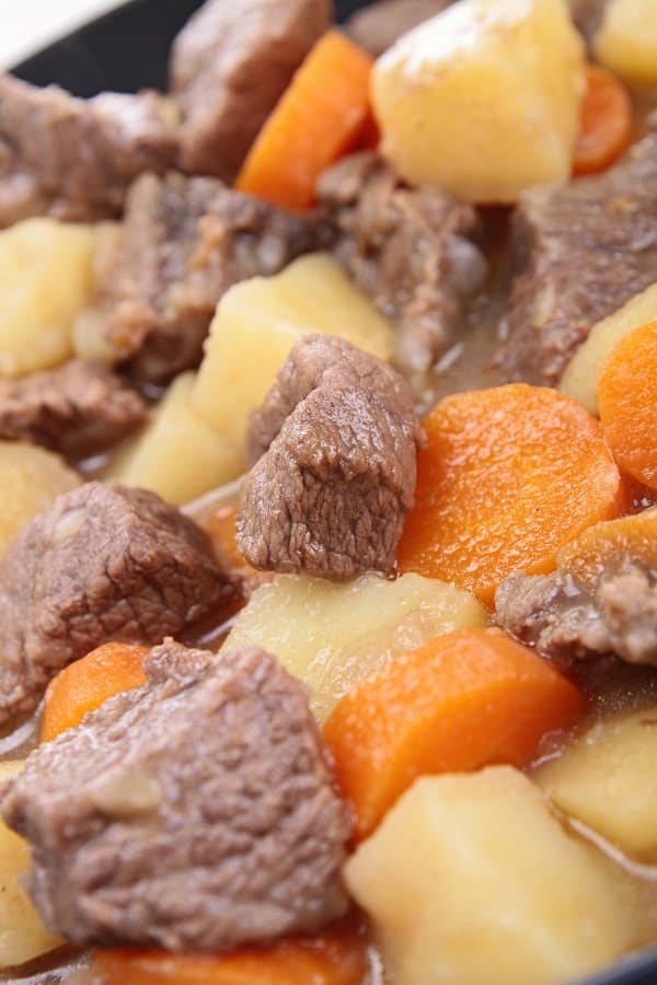 Slow cooker flavored vegetable beef stew recipe. Cubed beef with vegetables cooked in a slow cooker. Very delicious and easy beef stew recipe #slowcooker #crockpot #beef #stew #dinner #homemade