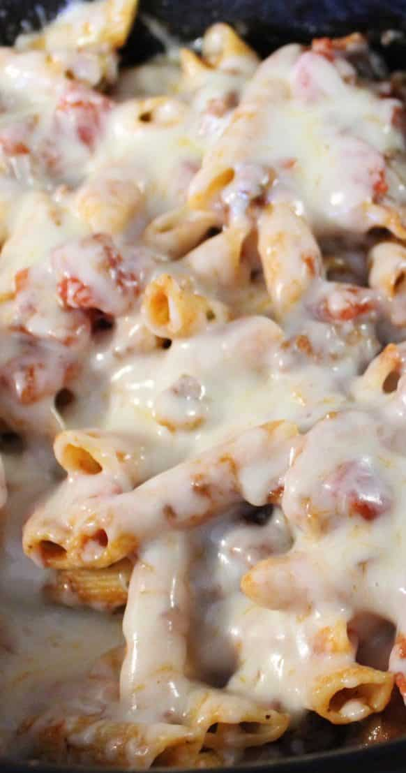 the best crock pot baked ziti recipe #pasta #dinner #healthy #delicious #lunch #crockpot #slowcooker