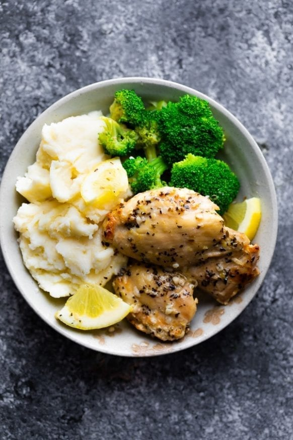 Pressure cooker lemon garlic chicken thighs recipe. Boneless and skinless chicken thighs with garlic, lemon, and dry white wine cooked in an electric instant pot. #pressurecooker #instantpot #chicken #dinner #homemade #thighs #yummy