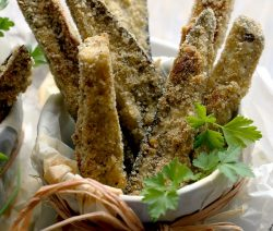 Baked eggplant Parmesan sticks. Eggplant sticks with Parmesan cheese and bread crumbs baked in an oven. Delicious and crispy!!! #oven #vegetarian #dinner #appetizers #homemade #crispy #magicskilletrecipes