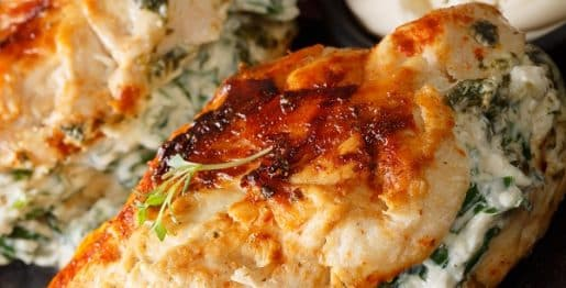 Instant pot spinach-stuffed chicken recipe. Spinach and cheese-stuffed chicken breasts cooked in an electric instant pot. Very easy and delicious. #instantpot #pressurecooker #chicken #dinner #homemade #stuffed